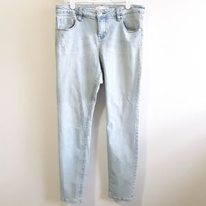 4/20$ EIGHTYTWO white wash low rise skinny jeans